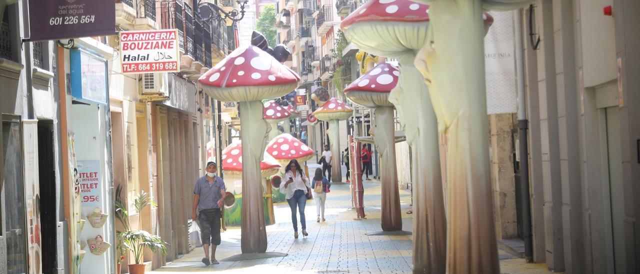 La calle de las Setas, una de las más comerciales del centro de Alicante, en una imagen de archivo