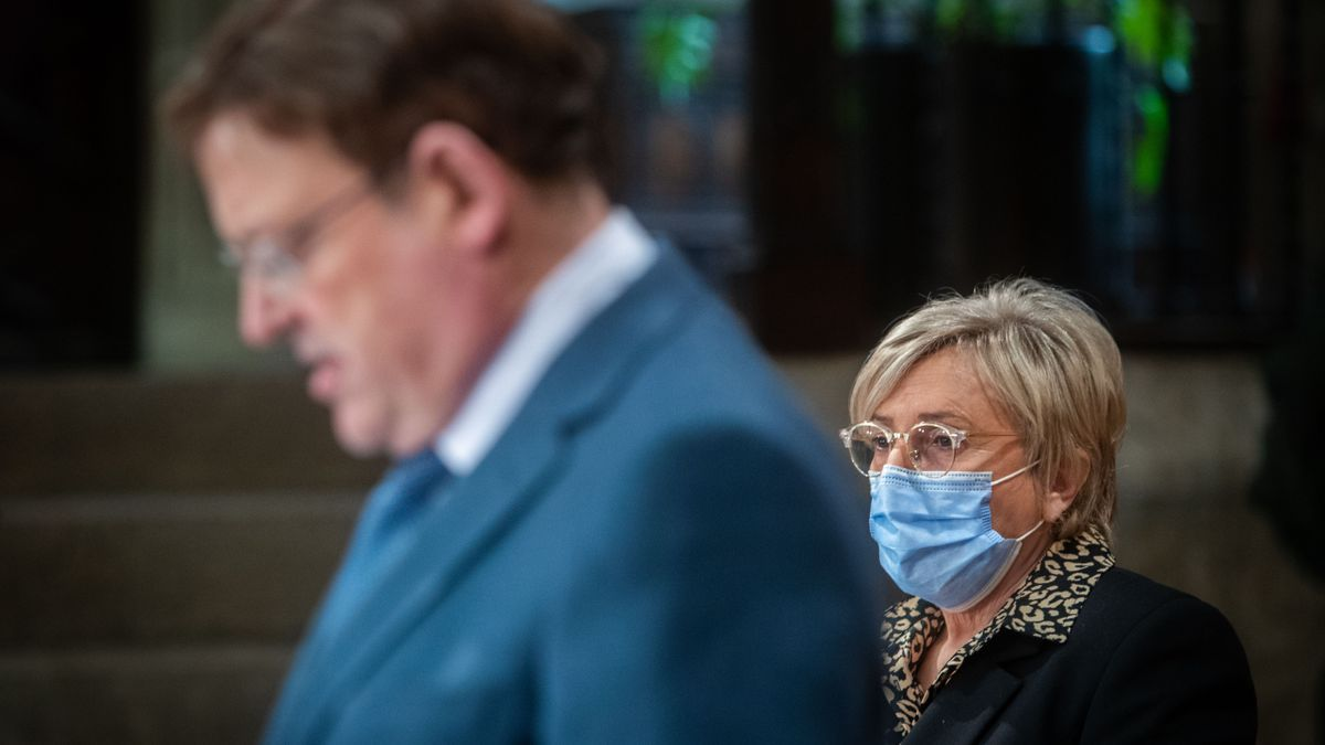 El presidente Ximo Puig y, a su derecha, la consellera Ana Barceló
