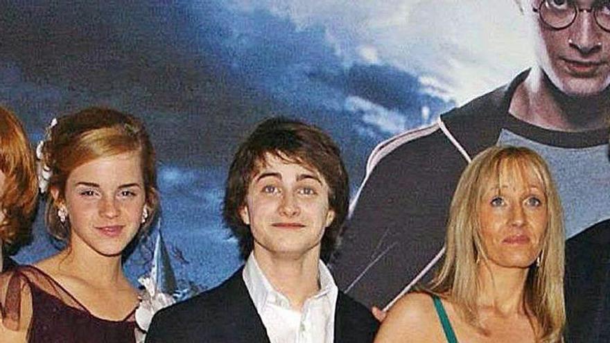Las opiniones de JK Rowling sobre identidad de género abren grietas en Hogwarts
