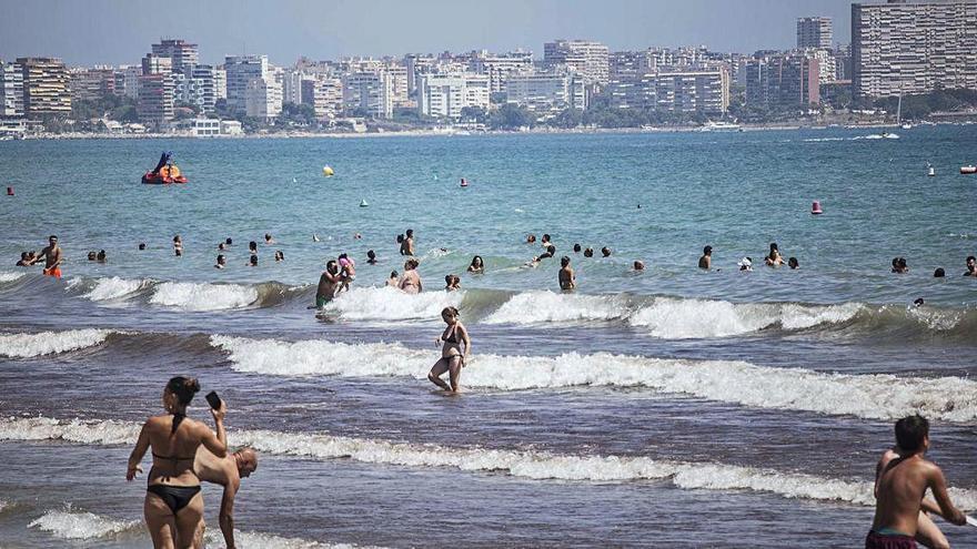Temperaturas insólitas del mar en el litoral elevan a «muy alto» el riesgo de gota fría de la provincia