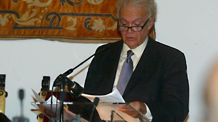 Matías Díaz Padrón, premio Amador 2021 en El Hierro