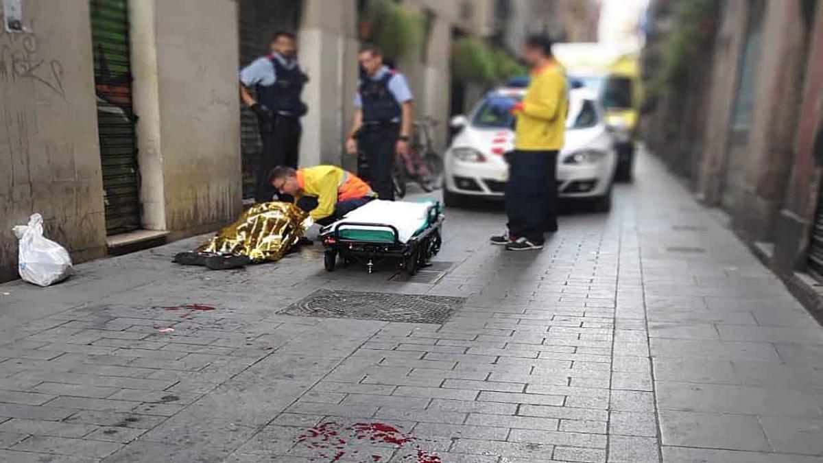 El nuevo ataque con machete en el Raval alarma a políticos y vecinos