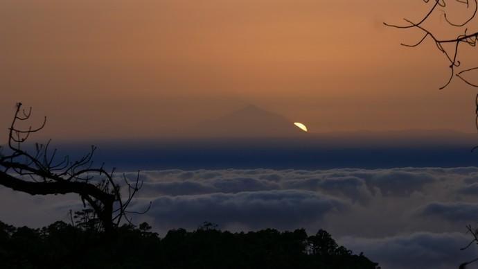 Mágica puesta de sol desde el Pinar de Tamadaba