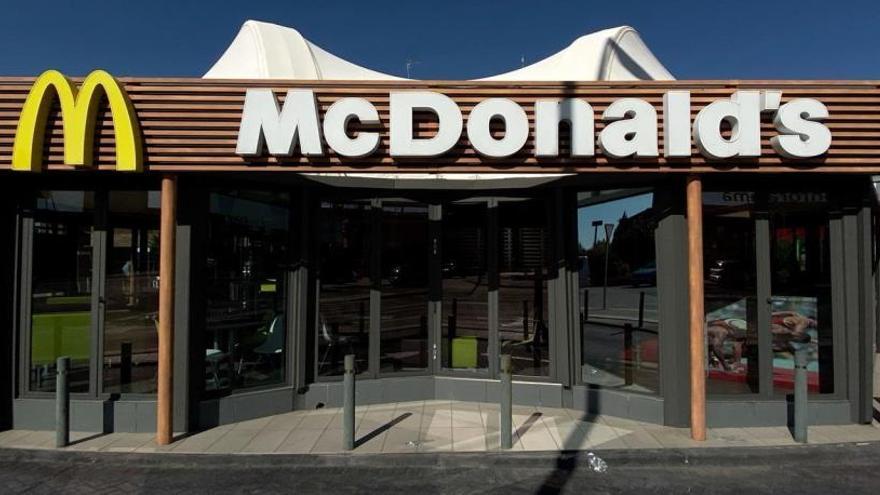 McDonald's cessa al seu director executiu per mantenir relacions amb una empleada
