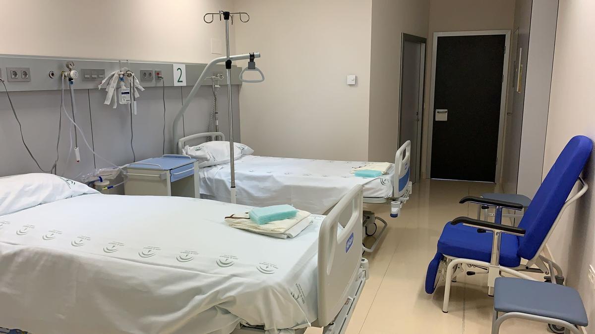 El Hospital Clínico se adapta para distribuir los pacientes ingresados.