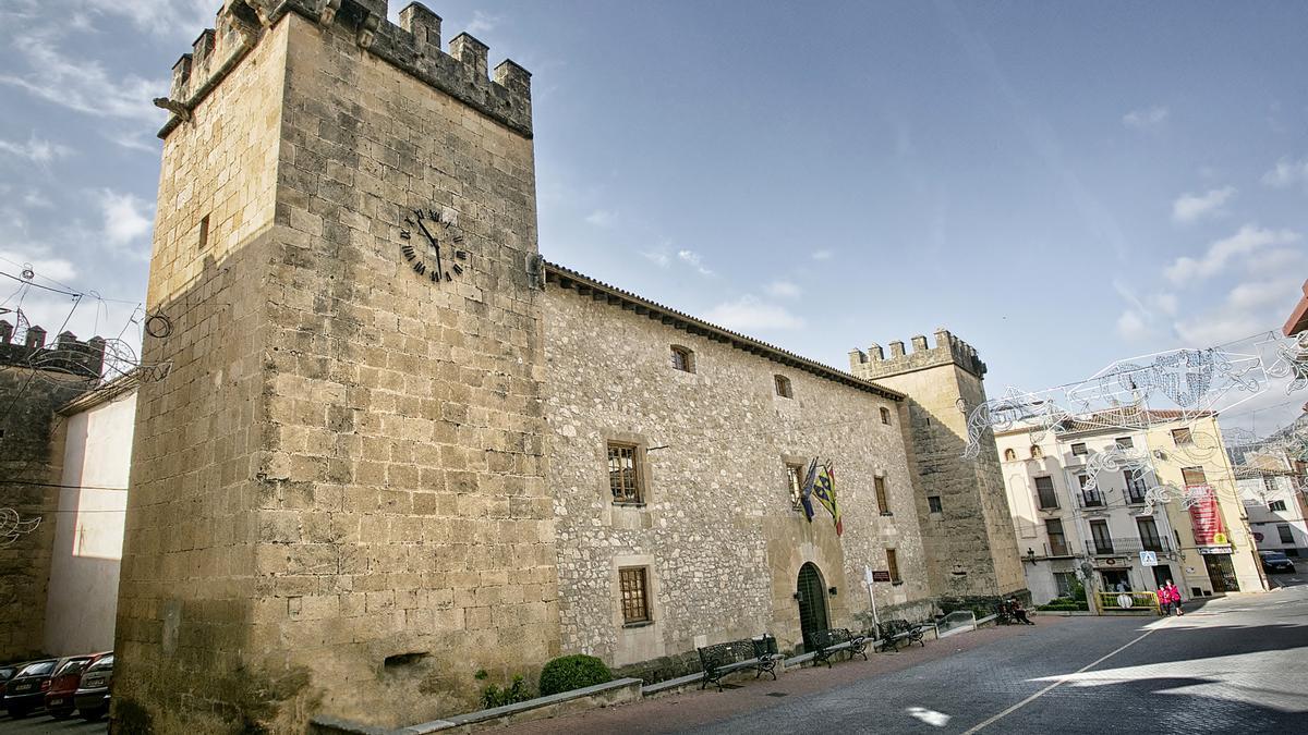 Palacio del Marqués de Dos Aguas de Onil, una de las dependencias que se han cerrado al público como medida de prevención.