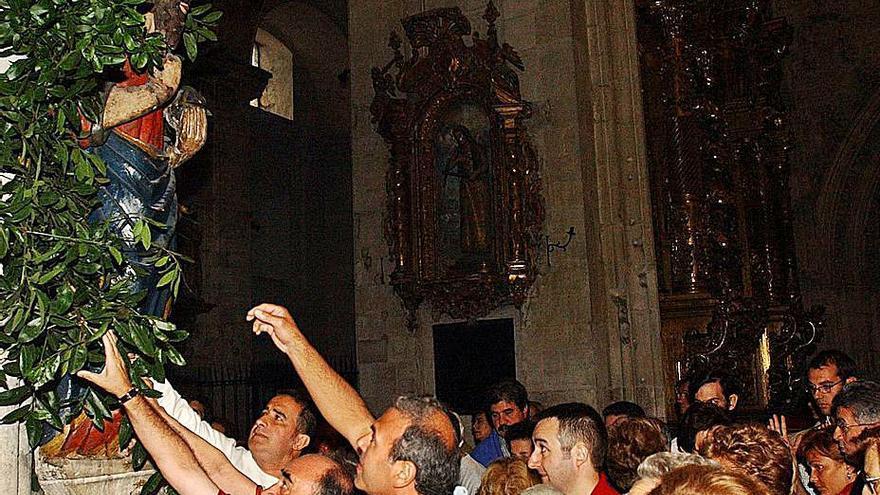 La fiesta del Salvador abre las celebraciones por los 1.200 años de la Catedral