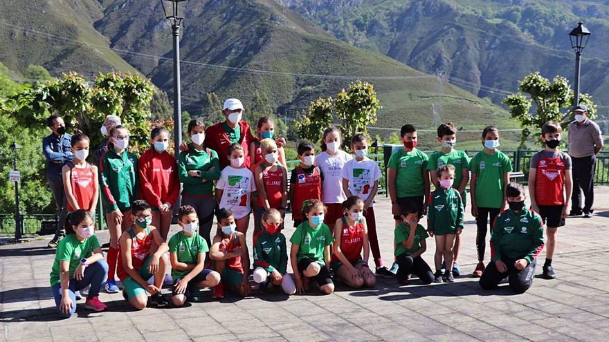 El trail del futuro echa a correr en Llanes con la primera escuela para fomentar las carreras de montaña