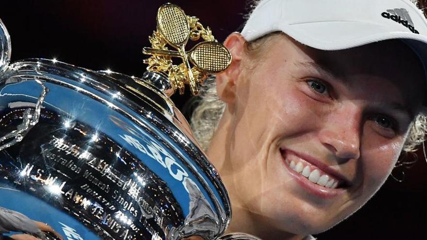 Wozniacki bate a Halep y gana el Abierto de Australia
