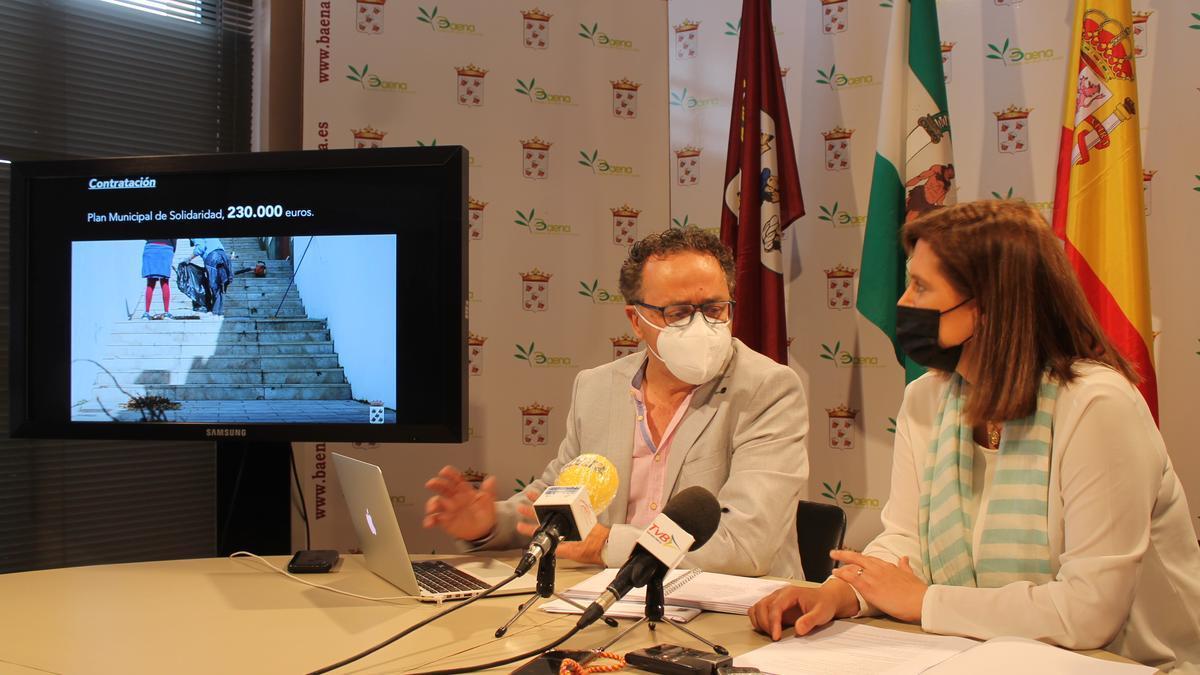 Ramón Martín y Cristina Piernagorda presentan el borrador de presupuestos
