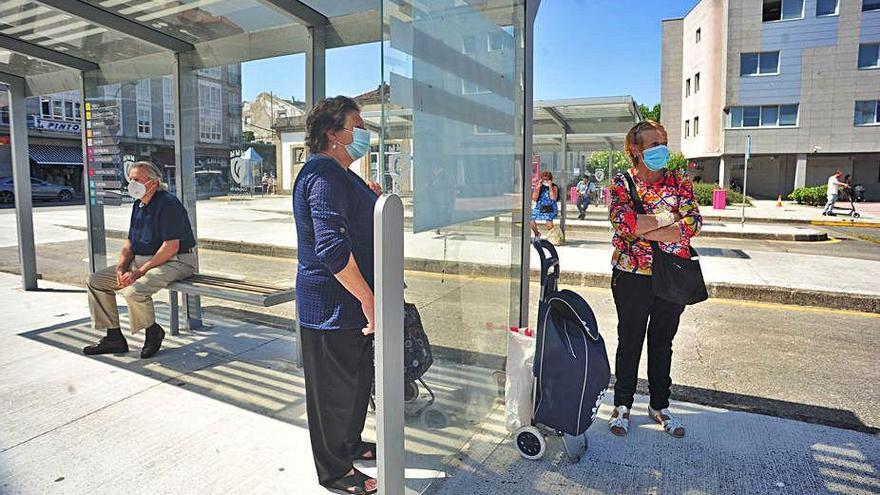 Los vilagarcianos regresan al autobús urbano con la sensación de viajar seguros
