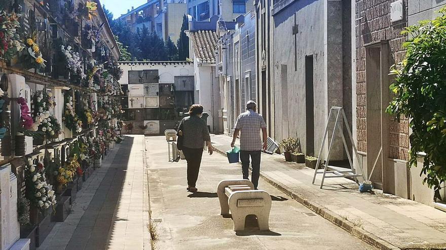 Los consistorios de l'Horta reducen el aforo en sus cementerios por la Covid-19