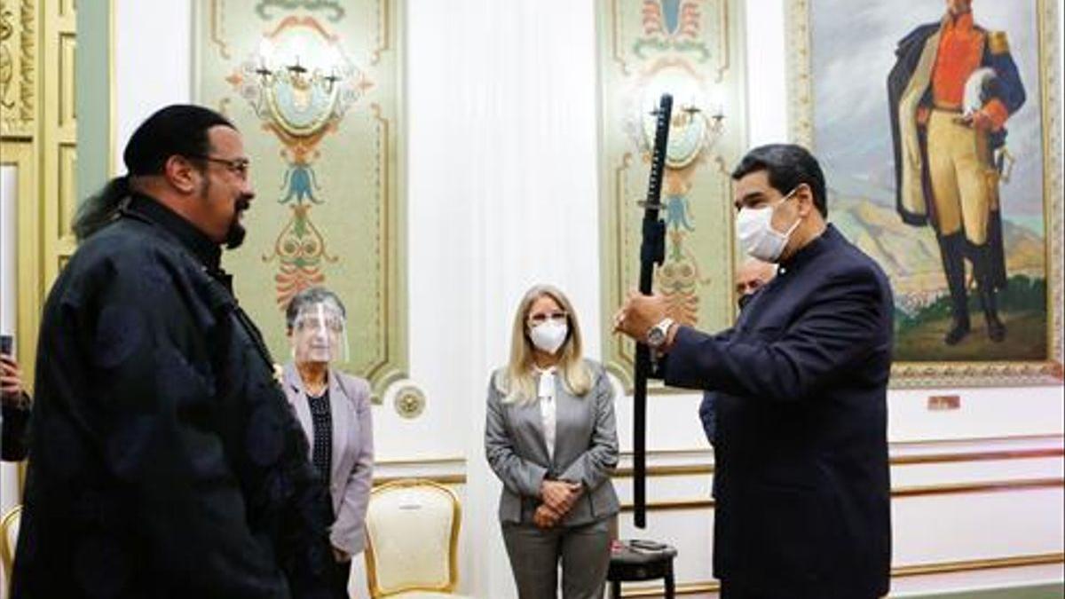 Maduro ha mantenido un encuentro con el actor Steven Seagle.