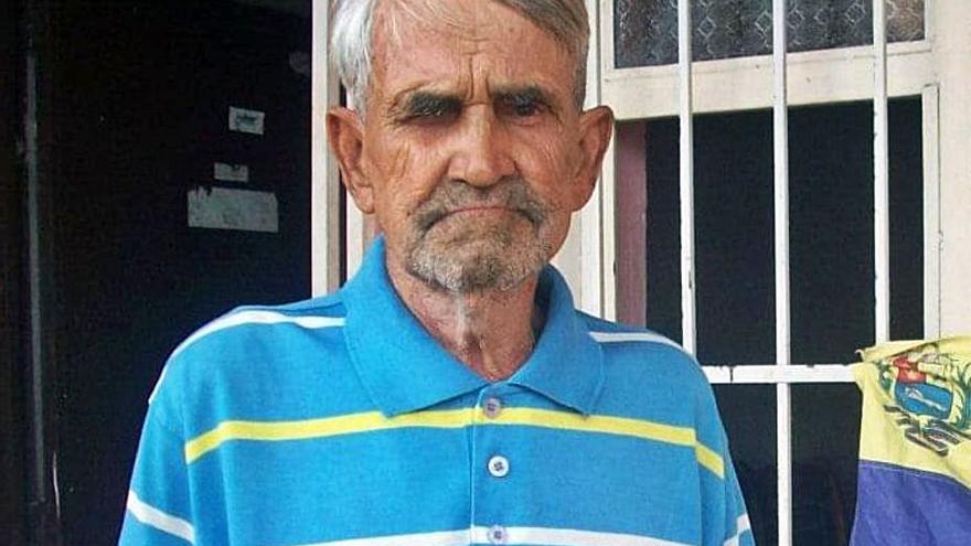 Emigración logra que Ricardo Herrera deje la calle e ingrese en un centro social