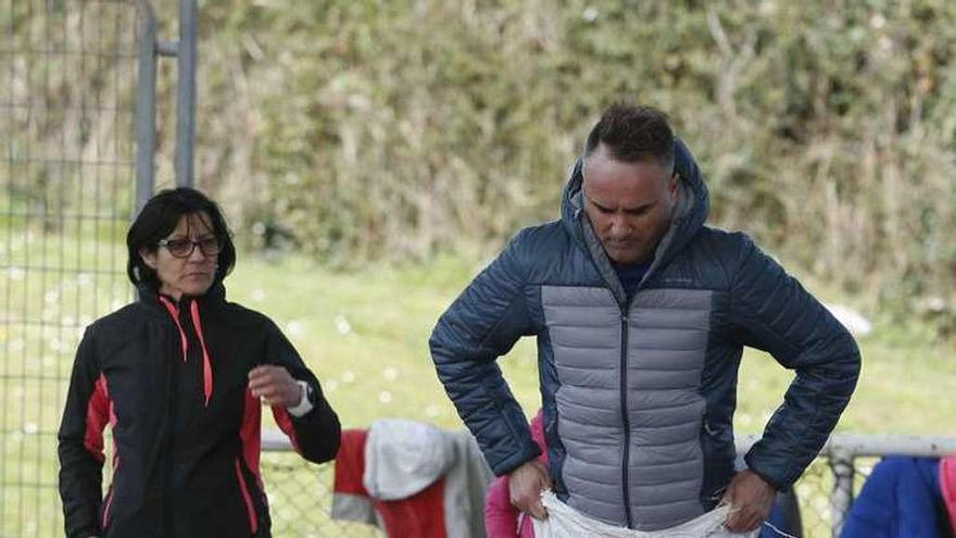 La yincana deportiva por el Día de la Mujer abarrota la pista de La Callezuela