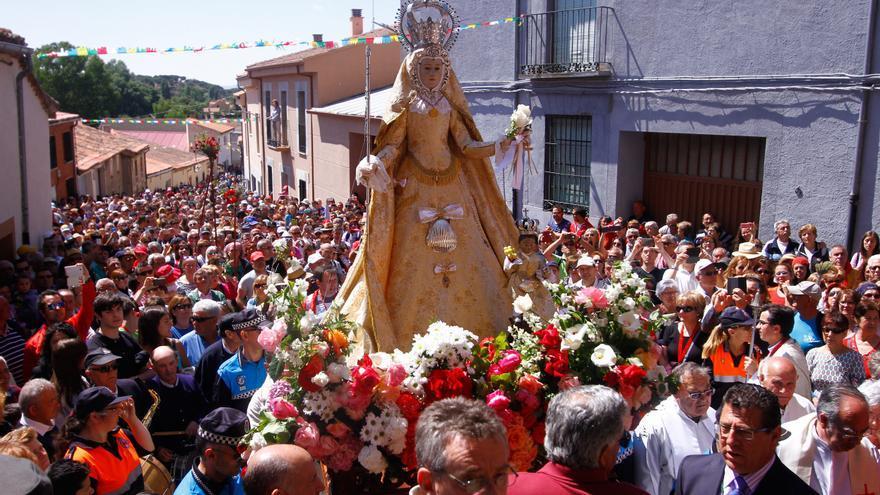 El traslado de la Virgen de la Concha a La Hiniesta, a expensas de Sanidad