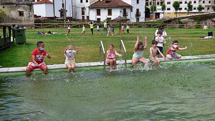 Medio centenar de niños disfrutaron de las colonias urbanas en Cangas