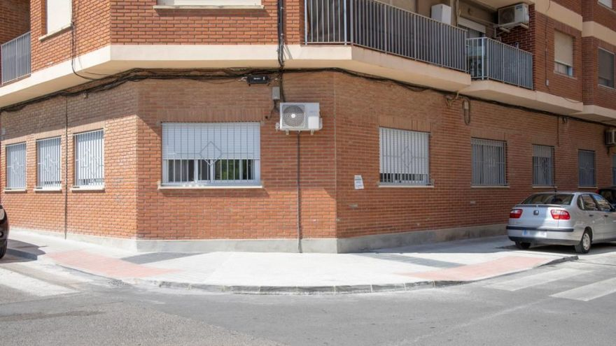 Picassent mejora los accesos y un tramo de aceras de la avenida Blasco Ibáñez