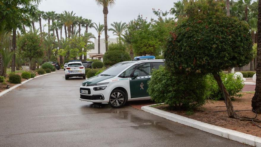 El sospechoso del tiroteo en Ibiza se entrega al verse acorralado por la Guardia Civil