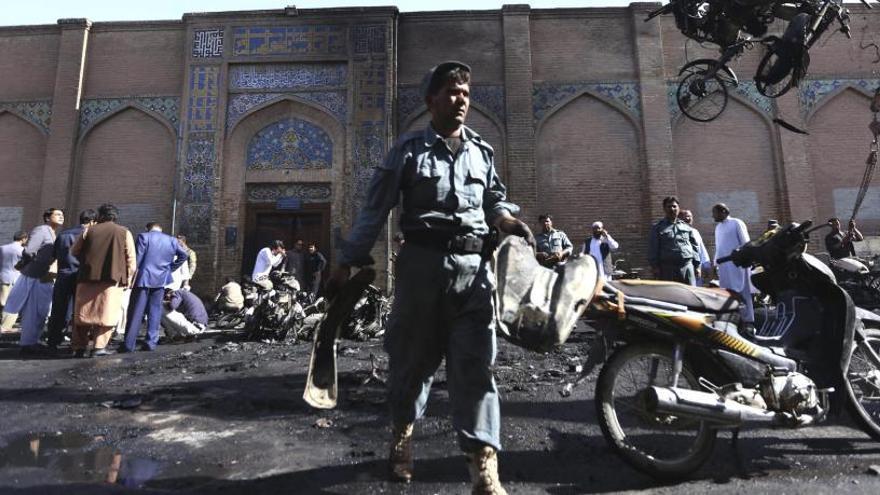 7 morts i 16 ferits per una explosió en una mesquita a l'oest afganès