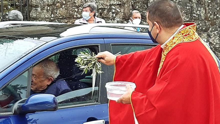 La bendición de San Cristóbal acompaña a los conductores de Meaño