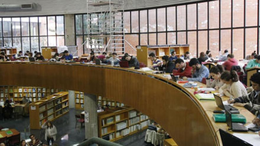 Las bibliotecas de la UMA amplían sus horarios para la preparación de exámenes