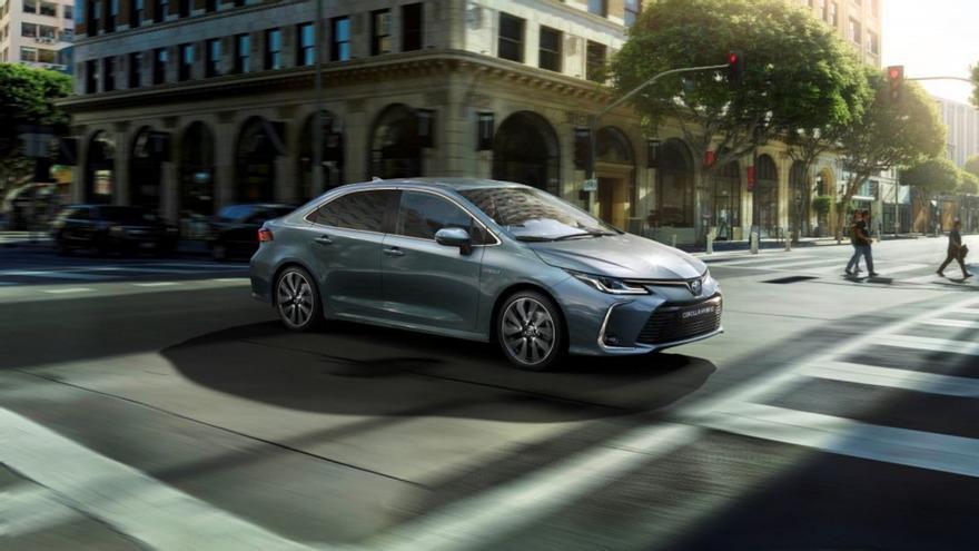 Toyota Corolla Sedan Electric Hybrid 2021, a la venta en España desde 21.950 euros