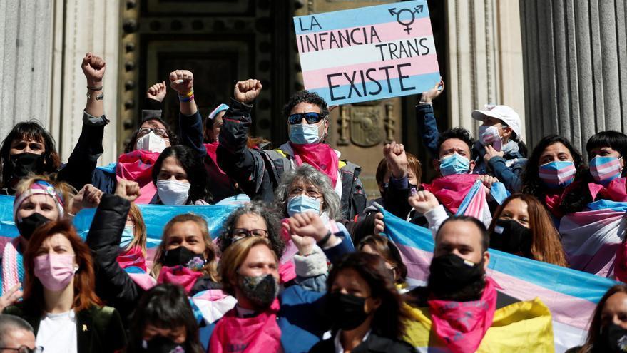 Castilla y León cubrirá los tratamientos hormonales y las operaciones de cambio de cambio de sexo