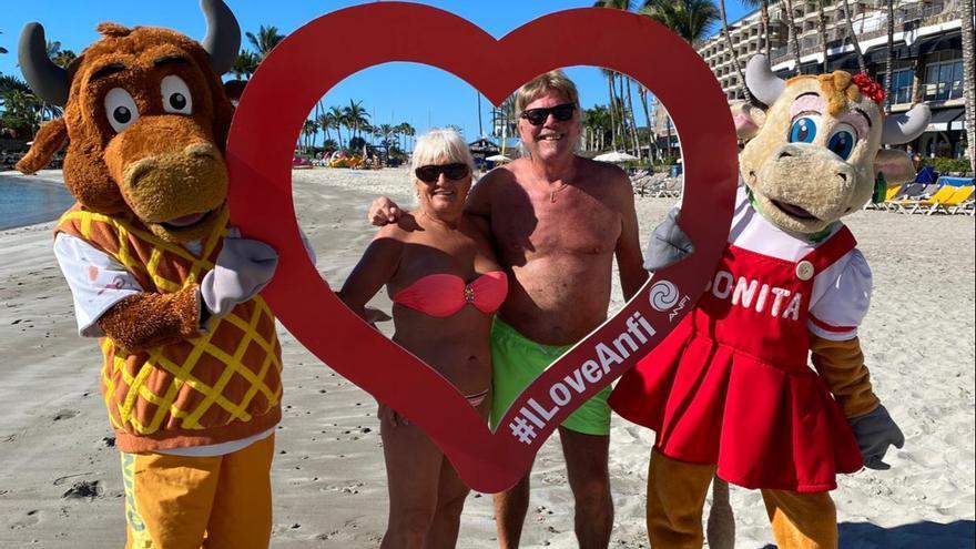Anfi reparte abrazos virtuales y sonrisas en 'la semana de los enamorados'