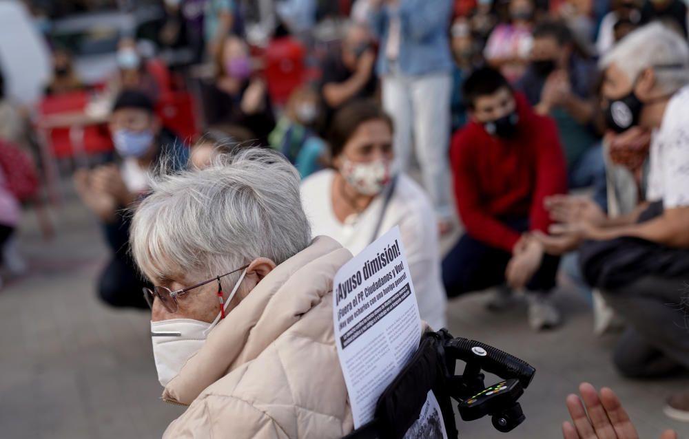 Madrid. 24.09.20. Concentración por la sanidad pública en un centro de salud de de Vallecas.  FOTO JOSÉ LUIS ROCA