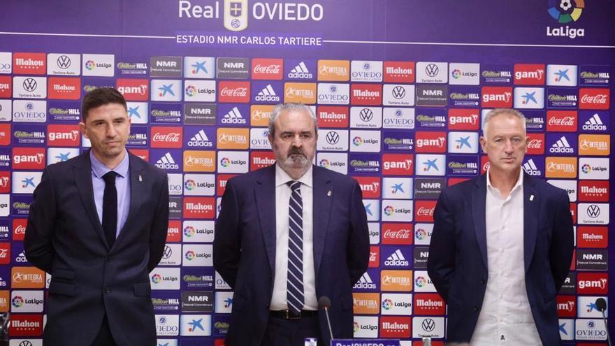 """Rubén Reyes, en su puesta de largo en el Oviedo: """"No quiero ser solo un gestor telefónico a las órdenes de un club"""""""