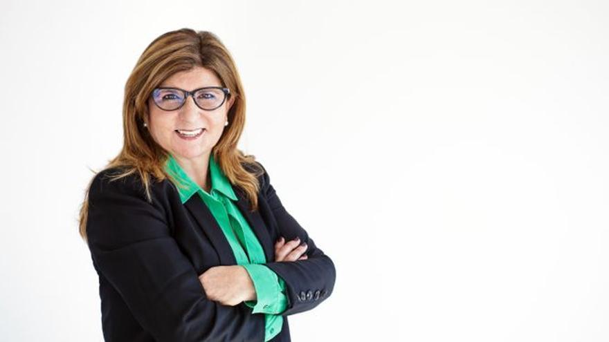 Marisa Camacho: La mujer que transporta la vacuna del covid