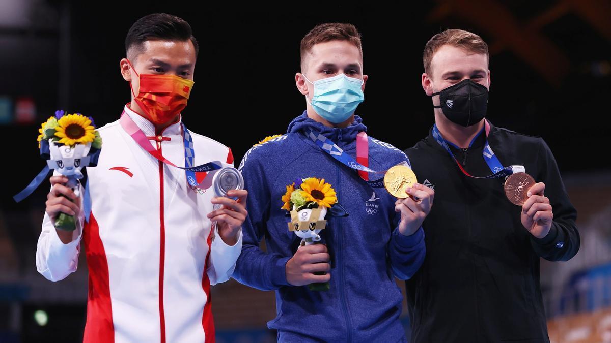 El chino Dong Dong, el bielorruso Ivan Litvinovich y el neozelandés Dylan Schmidt.