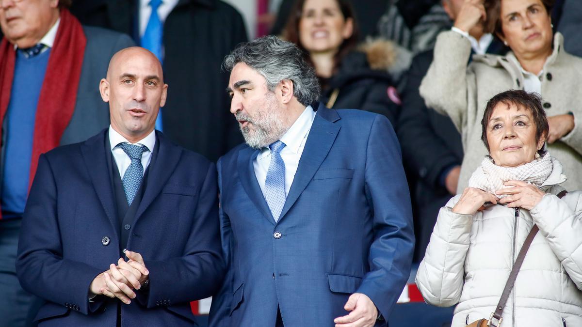 Javier Tebas y José Manuel Rodríguez Uribes.