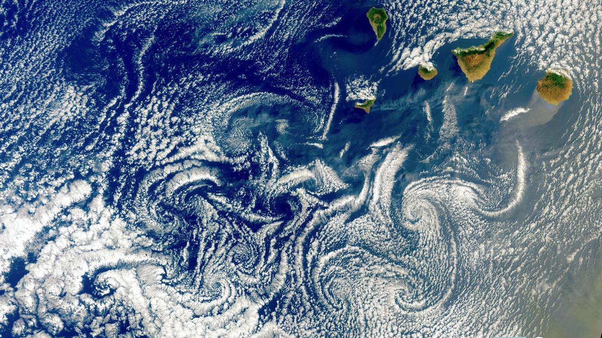 Imagen de los vórtices sobre Canarias capturada por el satélite Sentinel-3.