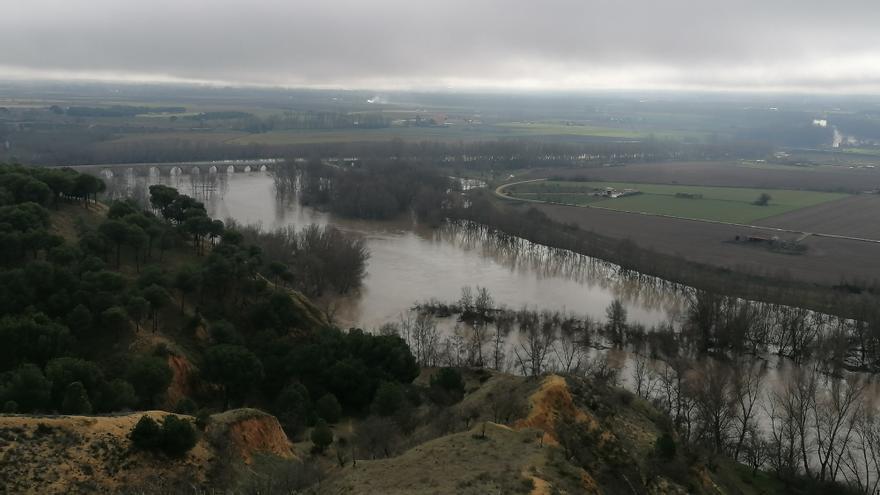 El Ayuntamiento pide precaución ante la crecida del Duero en Toro