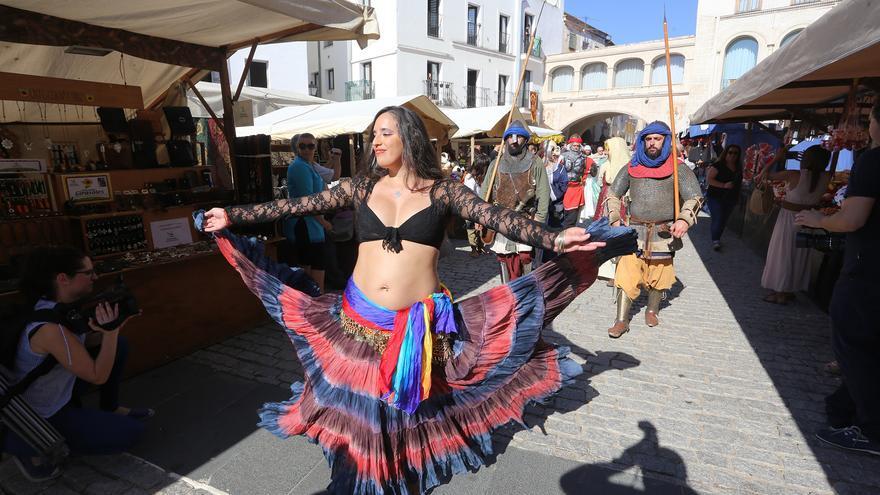 Almossassa se celebra a final de mes sin mercado en la plaza Alta