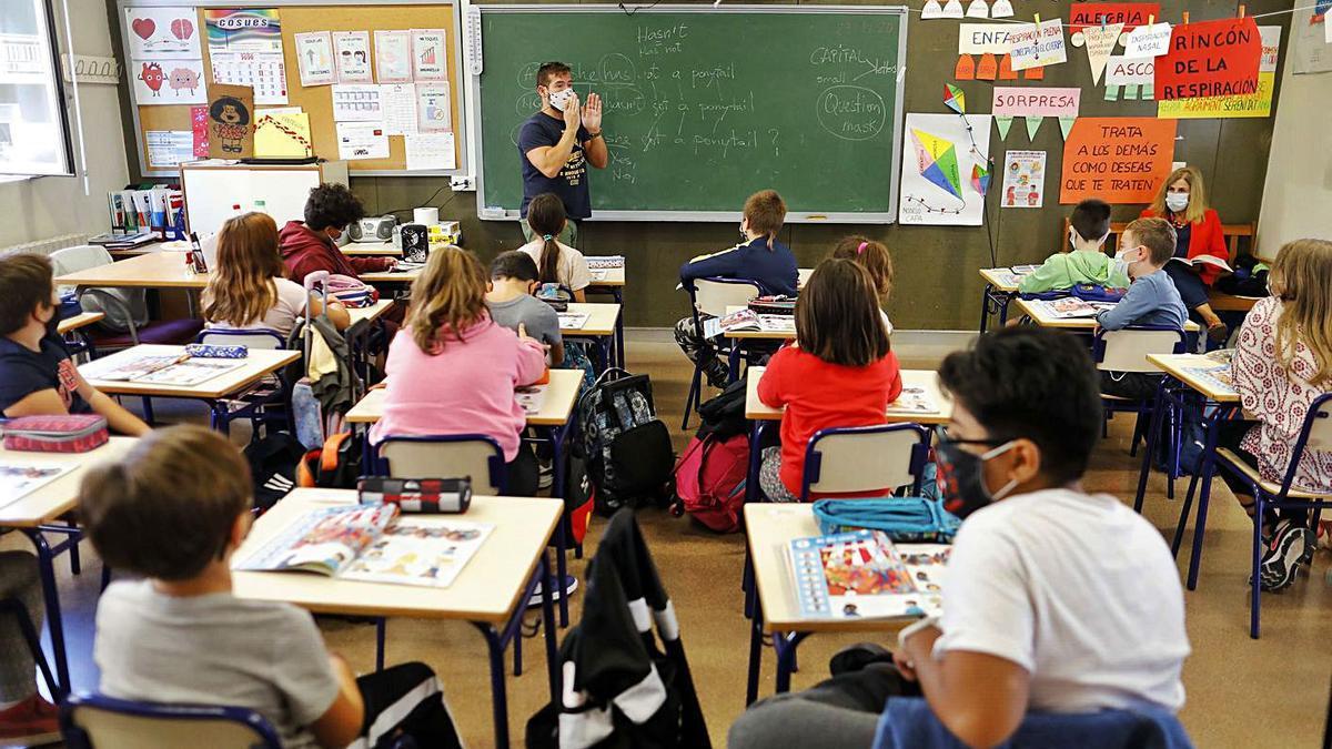 El estudio de la UPV defiende el modelo de grupos burbuja implantado en los colegios. | M.A. MONTESINOS