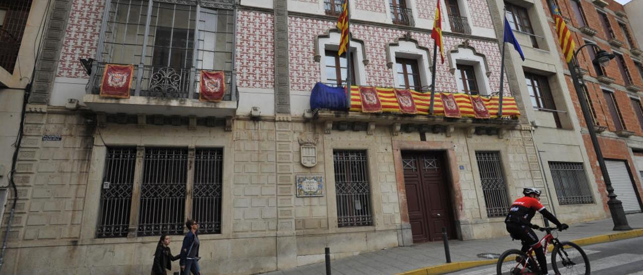 El pleno de Crevillent pide ayudas por 774.554 euros para mejorar los polígonos