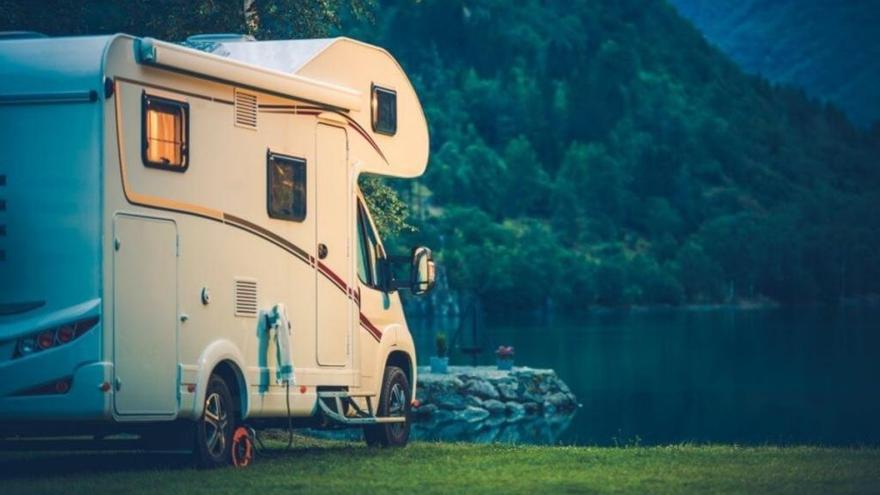 Normativa y consejos para viajar en caravana este verano