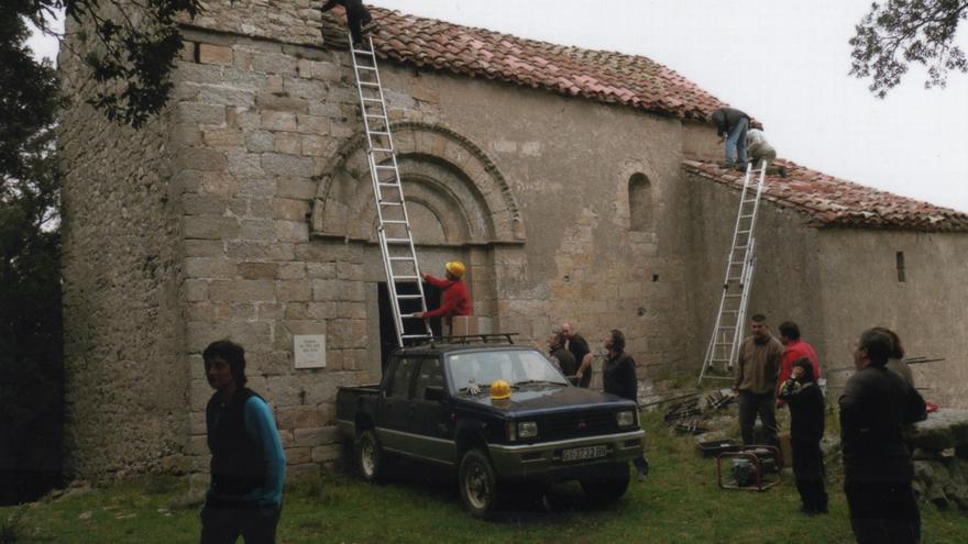 """Jaume Delclós condueix la presentació d''Àbsis, bardisses i pa amb llonganissa"""" a La Cate"""