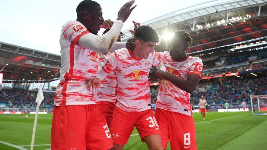 El exdeportivista Hugo Novoa debuta con el Red Bull Leipzig en la Bundesliga y lo hace con gol