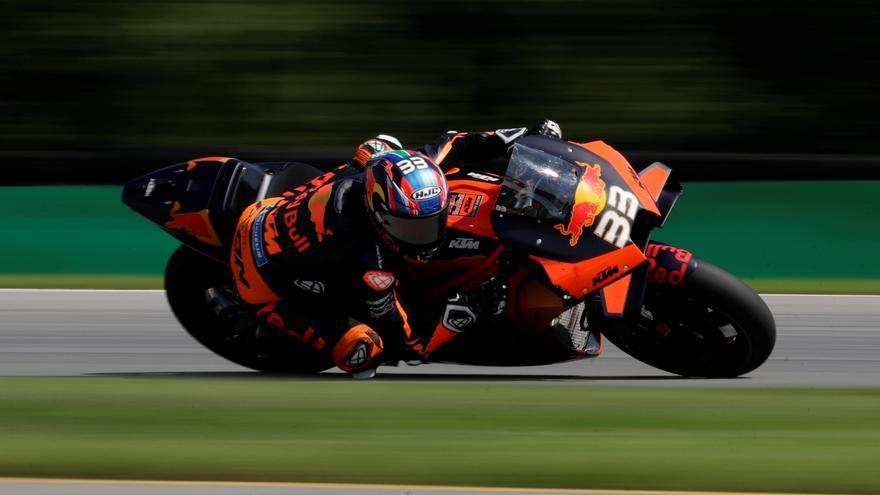 Binder logra la pole en Losail en Moto3 y Guevara sorprende