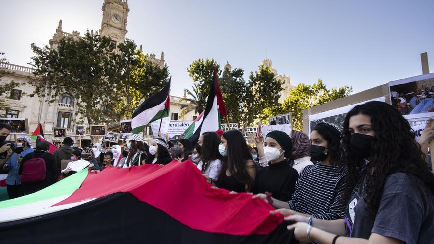 Protesta en València contra los bombardeos israelíes en Gaza y los desahucios en Jerusalén Este