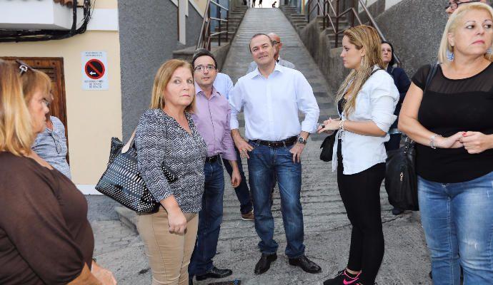 Hidalgo durante la visita al barrio de San José.