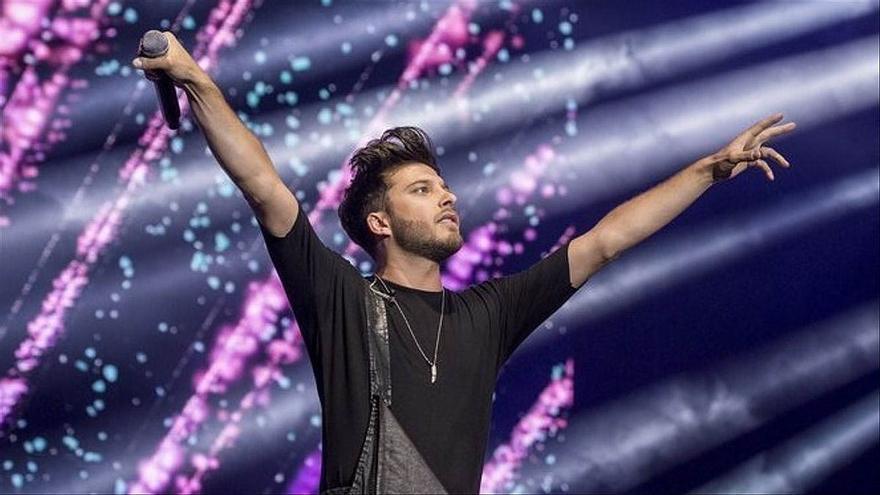Blas Cantó, Miki y Karina, en la gran fiesta española previa a Eurovisión