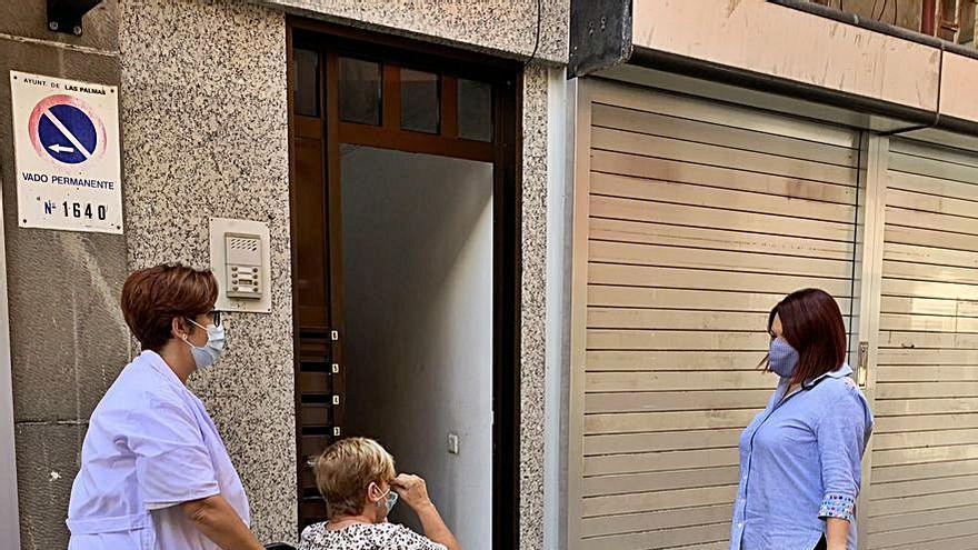 La ayuda a domicilio, un servicio social sin lista de espera que crece en usuarios