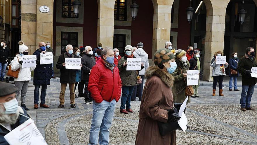 Los pensionistas retoman sus protestas en la plaza Mayor