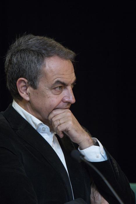 Acto del expresidente José Luis Rodríguez Zapatero en Oviedo.
