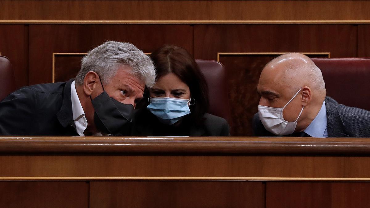 Quevedo habla en el Congreso con los portavoces del PSOE